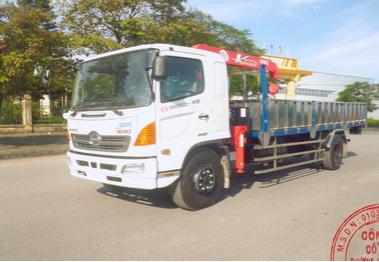 Xe tải HINO 9,4 tấn gắn cẩu UNIC 3 tấn