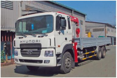 Xe tải Hyundai HD250 15 tấn gắn cẩu Unic 5 tấn